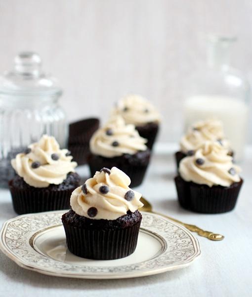 cookiedoughstuffedcupcakes2
