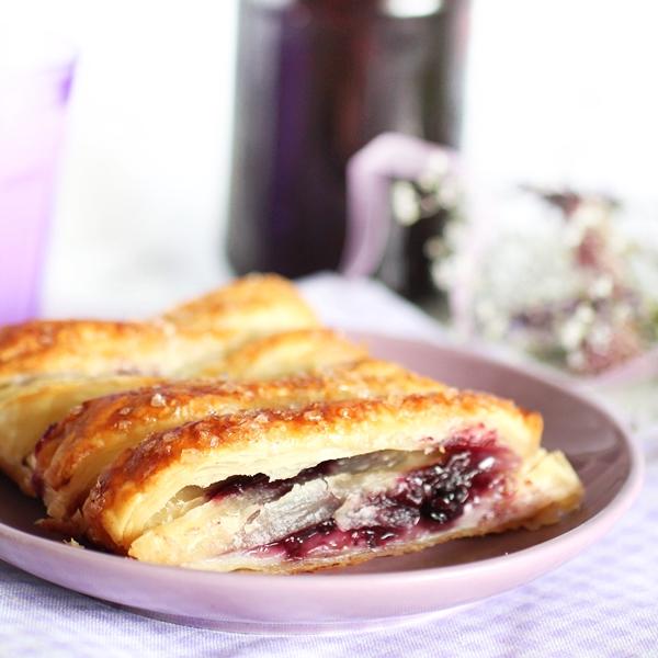 Ciasto Francuskie Z Jagodami I Budyniem Cukrowa Wrozka